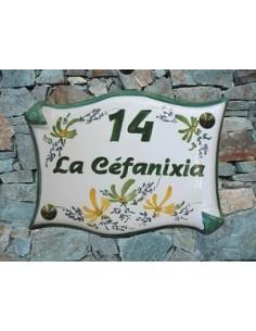 Plaque de maison parchemin en céramique décor fleuri vert et orange
