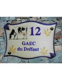 Plaque de maison en céramique décor personnalisé Léa la Vache