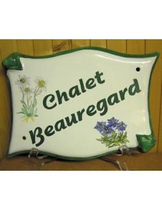 Plaque pour maison parchemin en céramique décor Fleur de Montagne