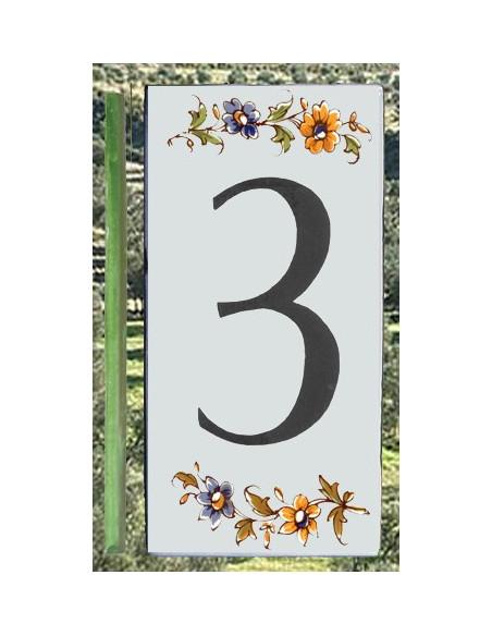 Numero de rue à coller en faience chiffre 3 motif fleurs tradition polychrome