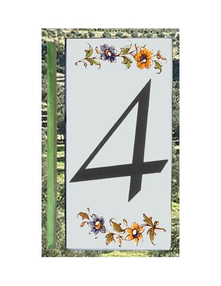 Numero de rue à coller en faience chiffre 4 motif fleurs tradition polychrome