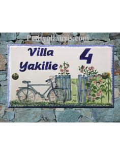 Plaque pour maison en faïence décor Bicyclette et Portail Fleuri