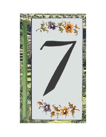 Numero de rue à coller en faience chiffre 7 motif fleurs tradition polychrome