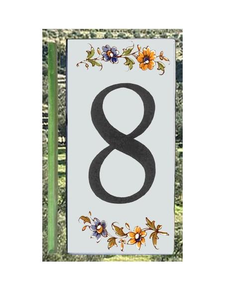 Numero de rue à coller en faience chiffre 8 motif fleurs tradition polychrome