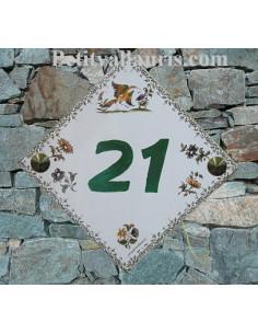 Numéro de Maison pose diagonale décor tradition vieux moustiers chiffre vert