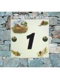 Numéro de Maison pose horizontale décor cabanon et olivier chiffre vert