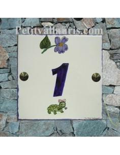 Plaque numéro de Maison en faience motifs artisanaux tortue et violette avec gravure personnalisée