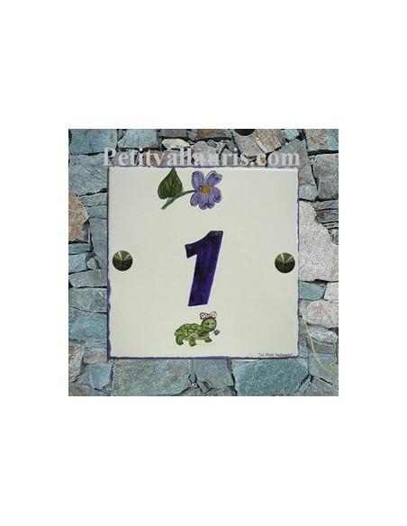 Numéro de Maison pose horizontale décor tortue et violette texte bleu