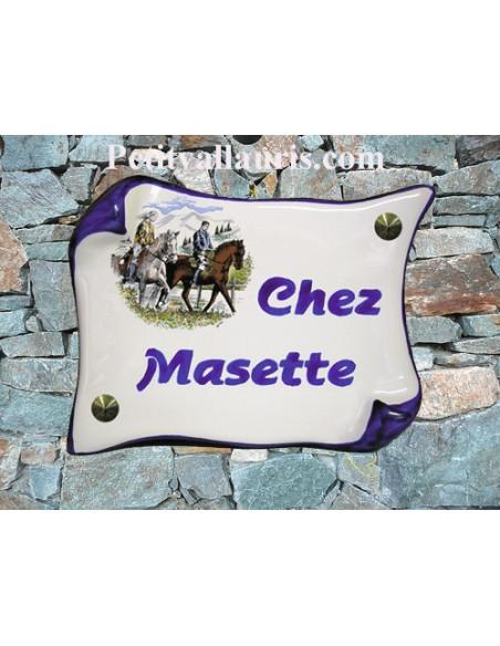 Plaque de Maison en faience modèle parchemin motif cavalier inscription personnalisée bleue