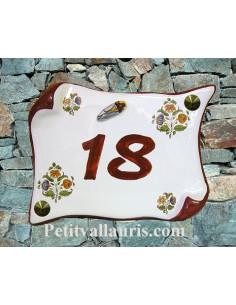 Plaque de Maison parchemin décor fleurs polychrome inscription personnalisée rouille et cigale relief