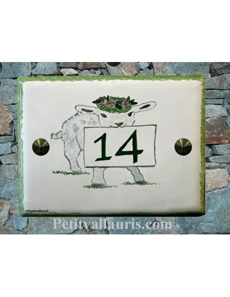 Plaque de maison en faïence émaillée motif artisanal Petit Agneau + inscription personnalisée