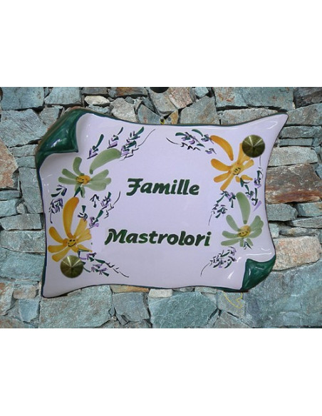 Plaque de Maison parchemin décor fleurs jaunes et vertes inscription personnalisée vertes