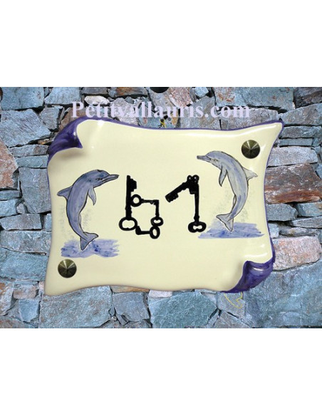 Plaque de Maison en faience modèle parchemin motif artisanal les 2 dauphins inscription personnaliséee