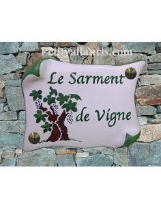 Plaque de Maison parchemin décor personnalisé sarment de vigne inscription verte