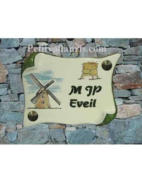 Plaque de Maison en faience modèle parchemin motif artisanal moulin et ruche inscription personnalisée verte
