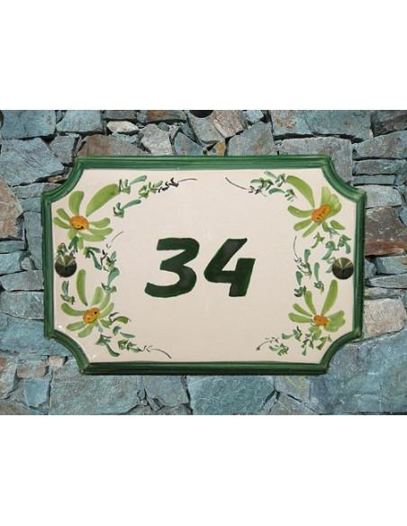 Plaque de Maison en faience décor fleurs vertes inscription personnalisée verte