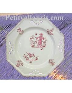 Assiette octogonale ajourée décor Tradition Vieux Moustiers rose D27