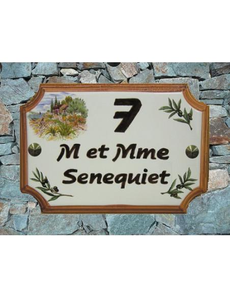 Plaque de villa en faience motif cabanon et olivier + inscription personnalisée + bord ocre