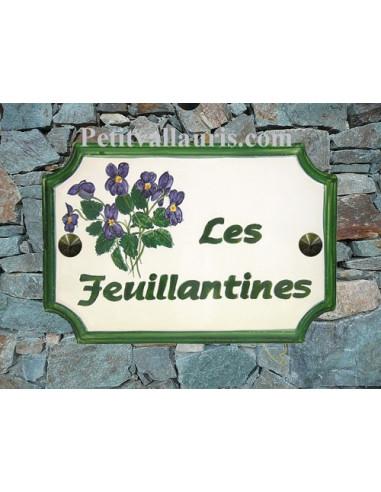 Plaque de Maison rectangle décor et texte personnalisés les violettes inscription verte bord vert