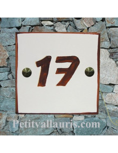 Numéro de maison chiffre et bord rouille pose horizontale