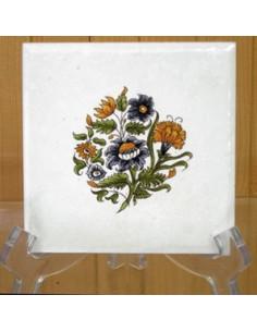 Carreau fleur polychrome décor Tradition Vieux Moustiers