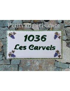 Plaque de maison faience émaillée décor maison grappes de raisin inscription personnalisée verte
