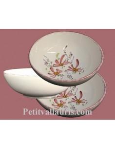 Service de table au d cor artisanal fleuri de plusieurs couleurs le petit vallauris - Decoration de salade sur assiette ...