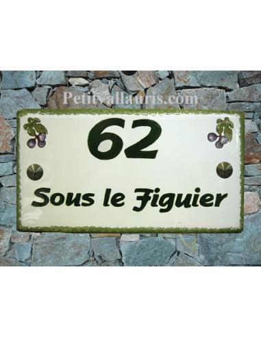 Plaque de Maison rectangle décor figues violettes inscription personnalisée et bord verts
