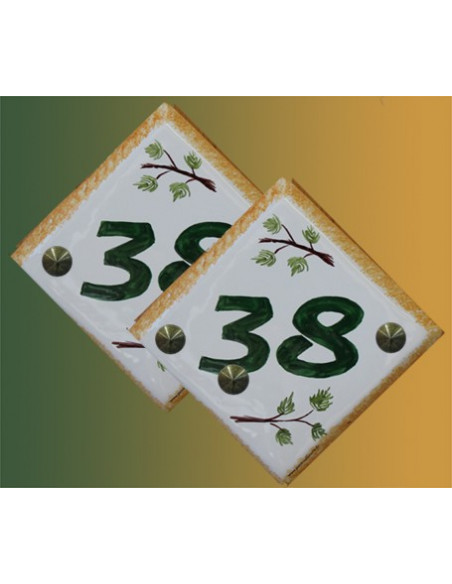 Numéro de maison décor branche de pin pose diagonale