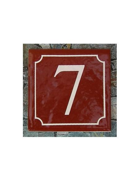 Numéro de rue fond pourpre liseré blanc n° 7
