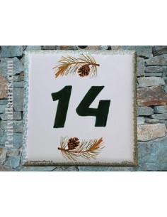 Numéro de rue ou de maison décor pomme de pin pose horizontale
