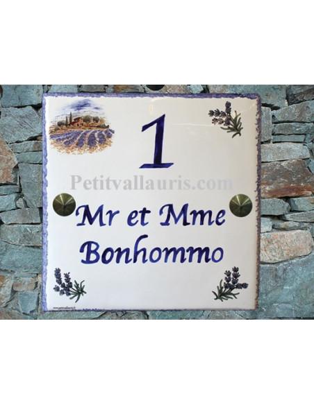 Grande plaque de maison en céramique modèle carrée motif mas provençal et lavandes + inscription personnalisée