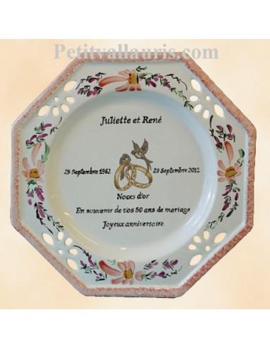 Assiette de mariage octogonale d cor fleurs saumons avec po me noces d 39 or le petit vallauris - Cadeau noce d or ...