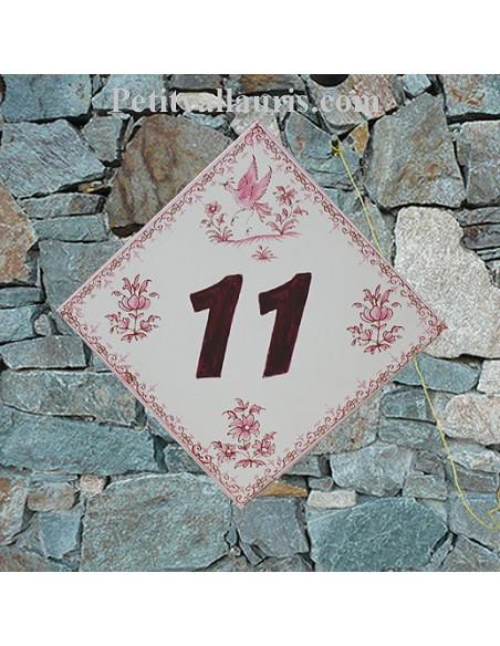 Plaque numéro de maison en faience + chiffre personnalisé couleur prune décor fleurs tradition rose