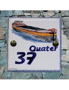 Numéro de Maison en faience émaillée motif artisanal péniche + gravure personnalisée