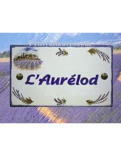 Plaque de Villa rectangle décor champs et brins de lavandes aux angles bord et inscription personnalisée bleus