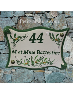 Plaque de maison parchemin en céramique fleurs vertes