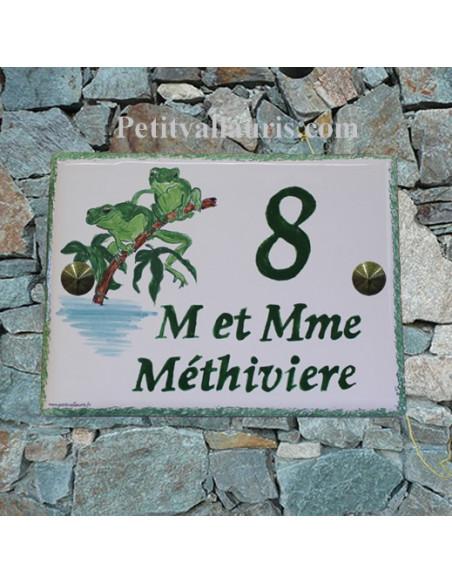 plaque de maison céramique émaillée décor artisanal rainettes + inscription personnalisée