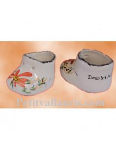 Chausson de naissance ou baptême décor fleurs oranges