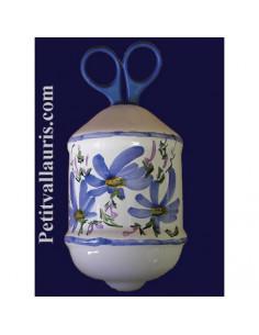 Distributeur de ficelle émaillé décor fleurs bleues