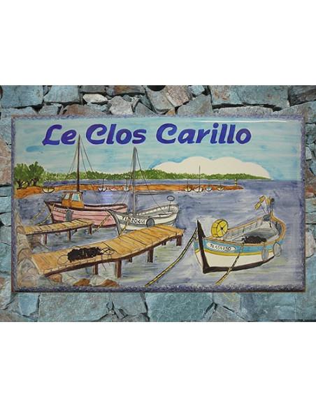Plaque de Maison rectangle en céramique émaillée décor artisanal motif bateau de pêche pointu + inscription personnalisée