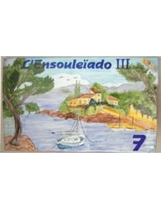 Plaque de Villa rectangle décor personnalisé calanque côte varoise et voilier inscription personnalisée bleue