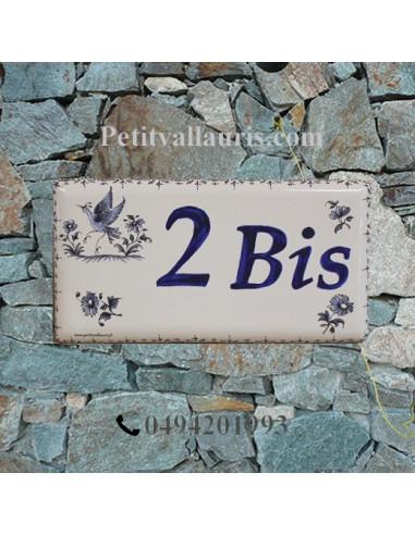 Plaque de maison faience émaillée décor tradition vieux moustiers bleu inscription personnalisée bleue