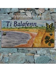 Plaque pour maison en céramique décor falaises Piriac + papillon