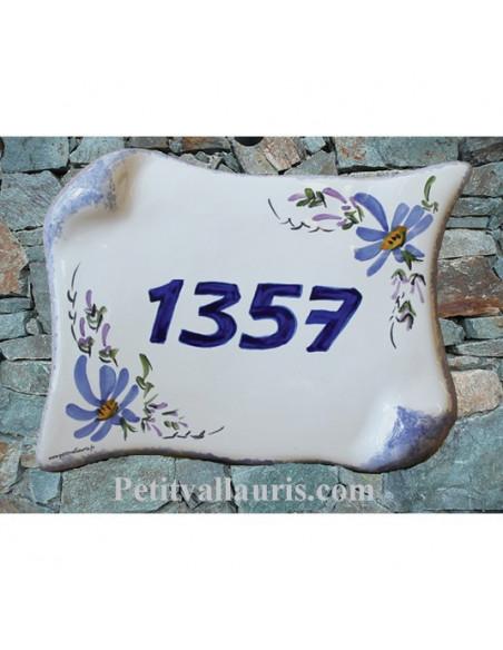 Plaque de Maison parchemin décor fleurs bleues inscription personnalisée bleue