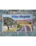 Plaque de Villa rectangle décor personnalisé paysage village,oliviers et champs lavandes inscription personnalisée verte