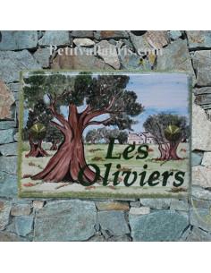 plaque pour maison céramique personnalisée décor champs d'oliviers inscription couleur verte