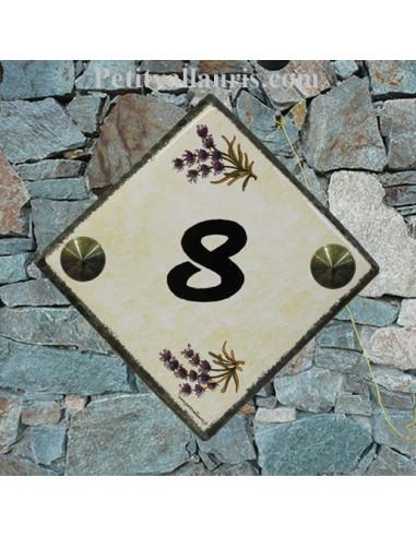 Numéro de Maison fond jaune paille pose diagonale bord gris inscription noire