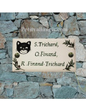 Plaque de maison faience émaillée décor chat naif et brins d'olive inscription personnalisée verte