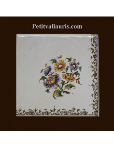 Carreau angle fleuri bas droit décor Tradition Vieux Moustiers